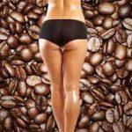 Chica de espalda con cafe