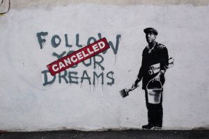 "Grafiti Banksy ""Follow your Dreams"""