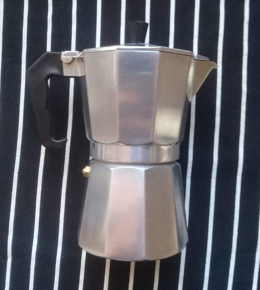 Cafetera Italiana cerrada